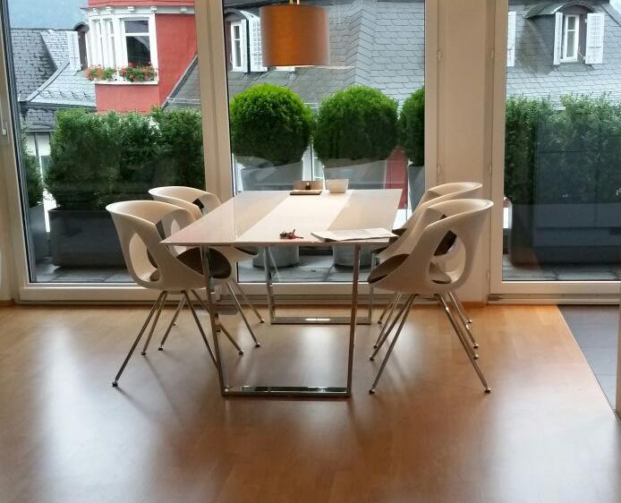 tonon szenario. Black Bedroom Furniture Sets. Home Design Ideas
